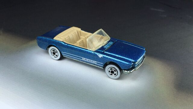 File:'65 Mustang Convertible 5-Pack 1990.JPG