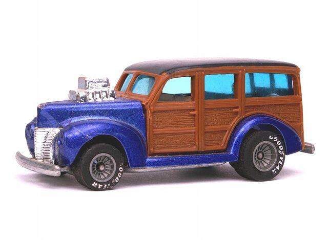 File:1983 '40's Woodie - 3309ef.jpg