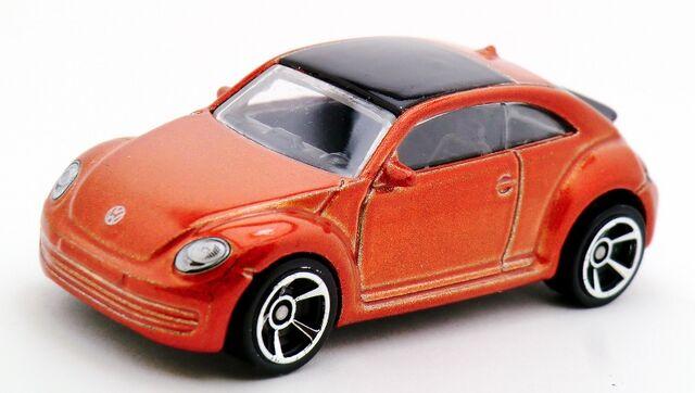 File:2012 Volkswagen Beetle-2013 3-Pack 1.jpg
