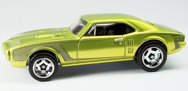 File:Cool Classics--03-'67 Pontiac Firebird 400.jpg