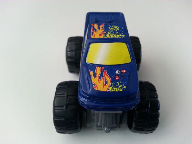 File:Monster Truck front.jpg