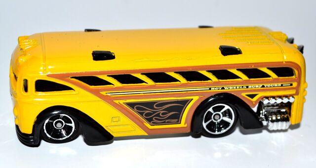 File:Surfin' School Bus 001.JPG
