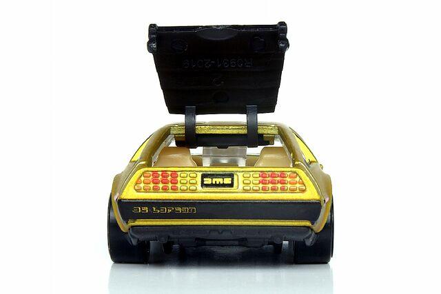 File:'81 DeLorean DMC-12 - 4664df.jpg