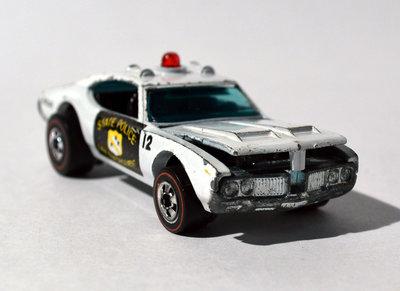 File:PoliceCruiserEarly1974.jpg
