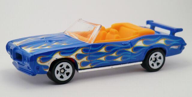 File:'70 Pontiac-2013 3-Packs.jpg