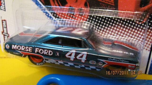 File:Vintage racing 18.JPG