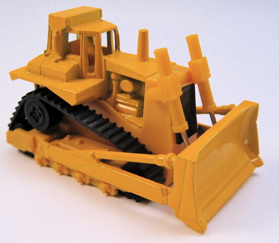 File:Bulldozer, yellow, no markings, yellow plastic MAL base.JPG