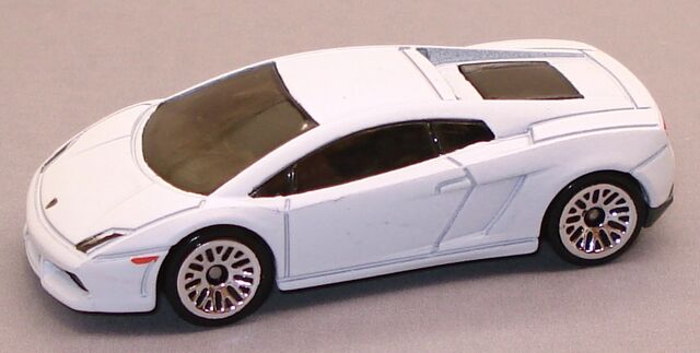 File:LamborghiniGallardo int white.JPG