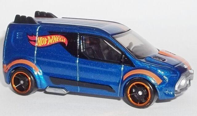 File:HW-2014-210-HW Ford Transit Connect-Garage.JPG