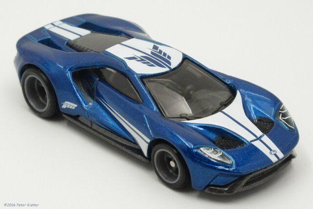 File:17 Ford GT-29914.jpg