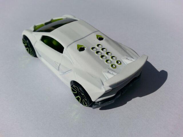 File:Lamborghini Sesto Elemento rear.jpg