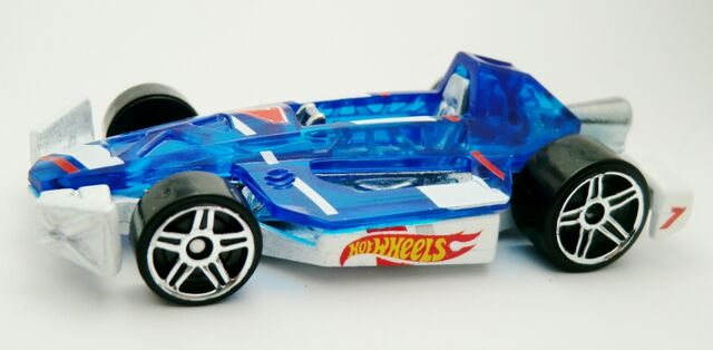 File:Arrow Dynamic-2013 110 HW Race Team.NM.jpg