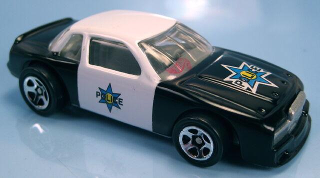 File:Buick stocker grey interior grey China base police chase set 1997.JPG