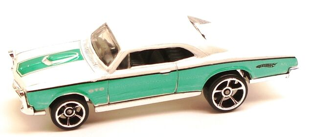 File:67pontiacGTO FTE OH5white.JPG