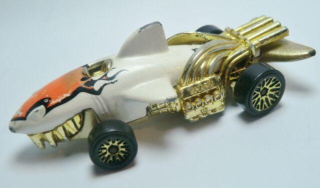 File:Sharkruiser .131 2003.jpg