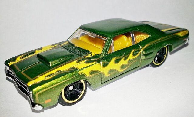 File:HW-2014-212-'69 Dodge Coronet Superbee-HeatFleet.jpg
