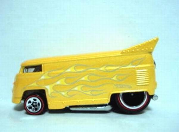 File:Drag bus Top 40 Set.jpg