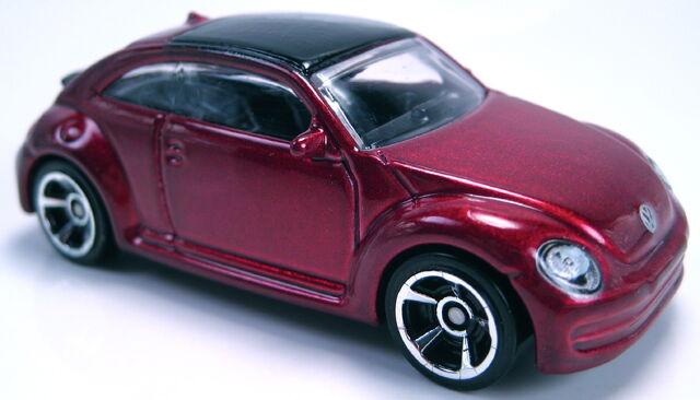 File:2012 Volkswagen Beetle maroon metallic new model.JPG