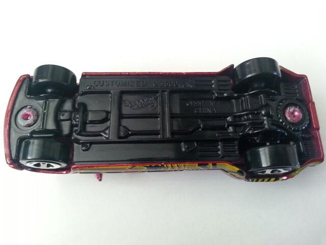 File:Customized C3500 underside.jpg