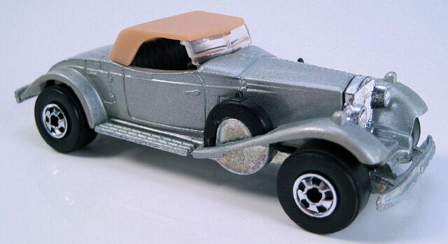 File:Rolls royce phantom II gray france.JPG