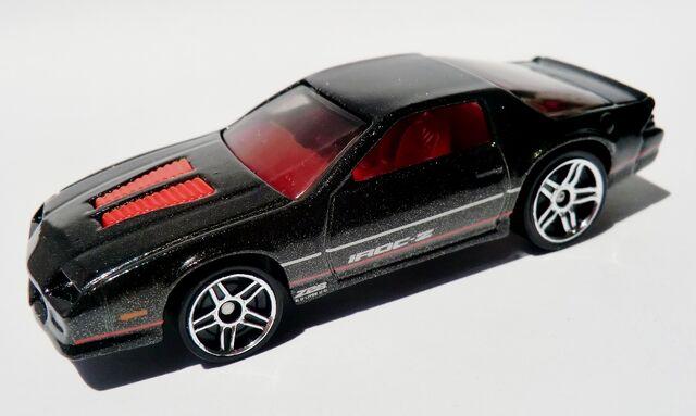 File:'85 Camaro IROC-Z.022 2012.jpg