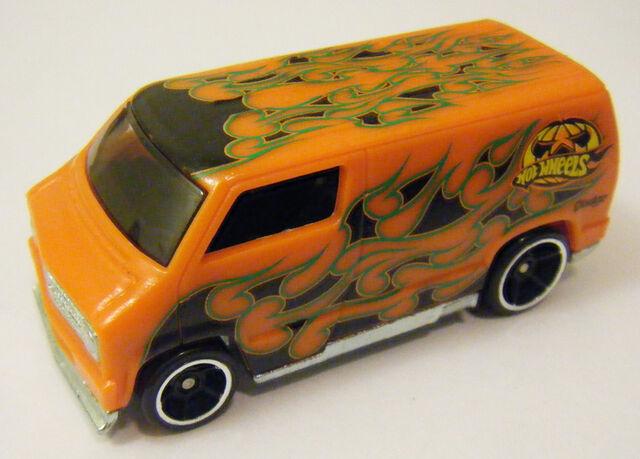 File:77 Dodge Van - CS Halloween Warm.JPG