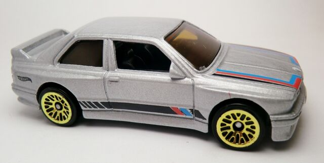 File:'92 BMW M3-2013 172.jpg