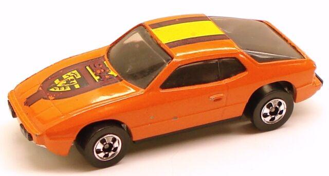 File:Upfront 944 orange.jpg