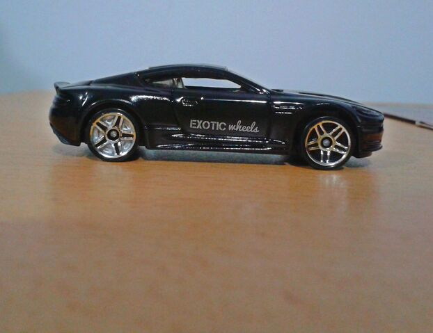 File:Aston martin ewheels.jpg