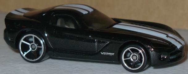 File:Viper 2006 Black White Stripes.jpg