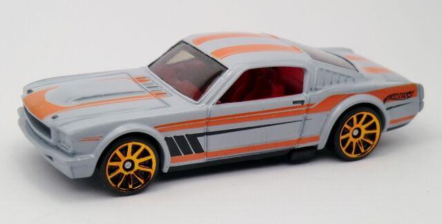 File:'65 Mustang Fastback-2013 237 Muscle Mania.jpg