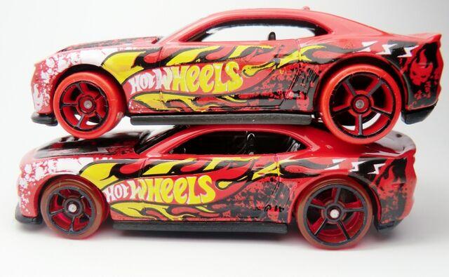 File:'12 Camaro ZL-1-variation wheels.jpg