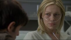 Laura-in-House-MD-Private-Lives-laura-prepon-24283324-853-480