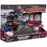 DreamWorks Dragons Deluxe Electronic Blast and Roar Toothless3