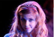 Jemma-mckenzie-brown-high-school-musical-3-tiara-3