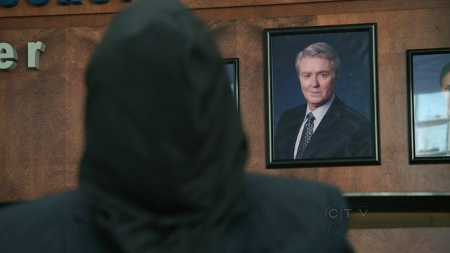 File:Wikia HT - Hooded Ken Lydecker with portrait.png