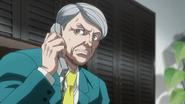 Teradein trying to phone Latune and Kenzaki