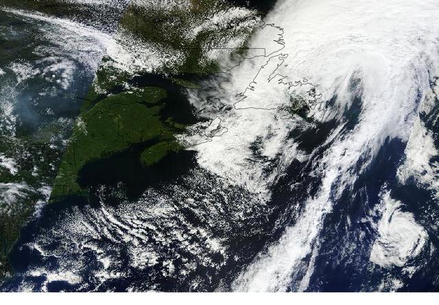 File:Tropical Storm Leslie 20120911 landing on Newfoundland.png