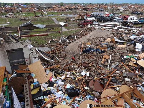File:EF5 tornado dmaage in Moore, Oklahoma.png