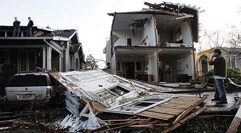 File:FE3 damage to a home in New Orleans 2017.png