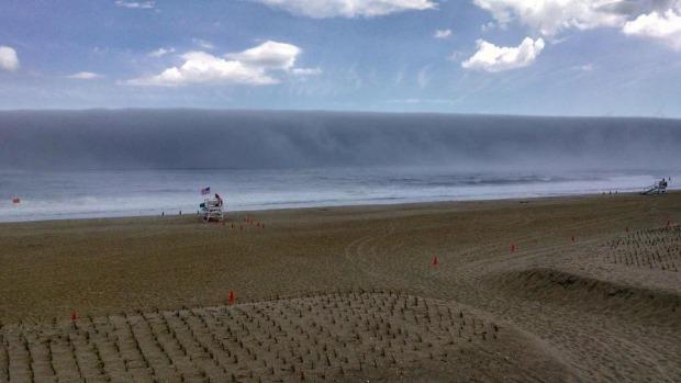 File:Tsunami (41).png