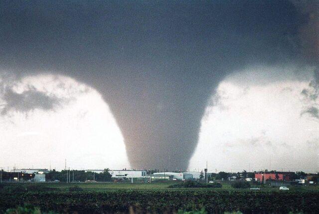 File:Quextin Tornado.jpg