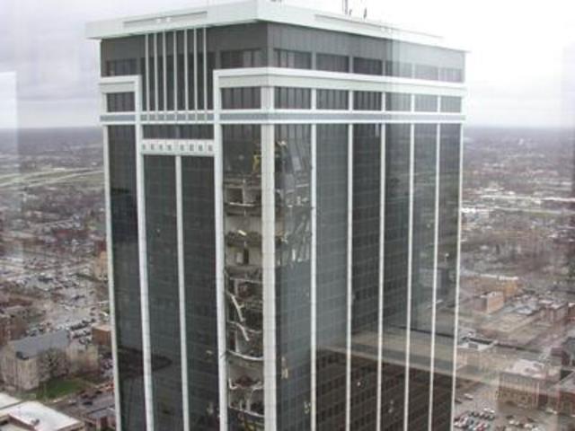 File:Indianapolis Tornado Damage.jpg