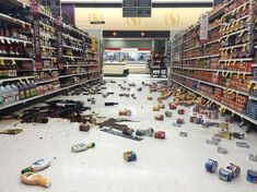 Store-Trashed-After-Earthquake