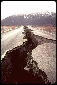 File:Fault Crack in the Road.jpg