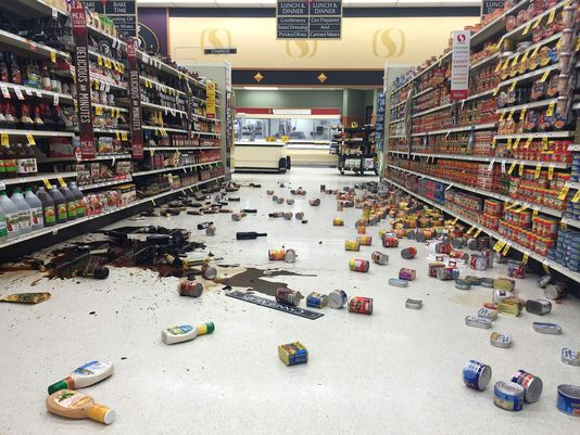 File:Store-Trashed-After-Earthquake.jpg