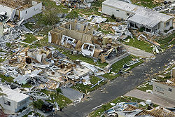 File:Effects of Hurricane Charley from FEMA Photo Library 7.jpg