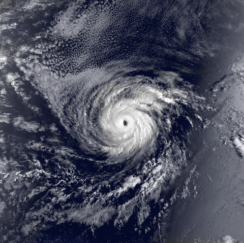 File:Hurricane Marie 11 Sep 1990 1623z.png