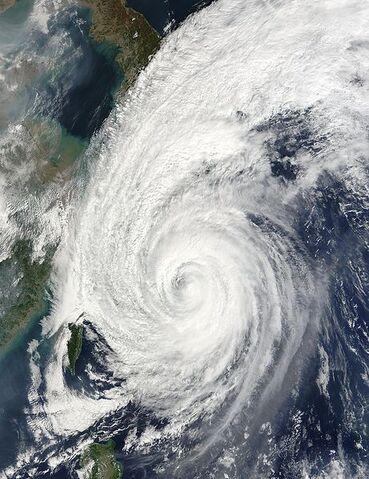 File:Typhoon Tokage 19 oct 2004 0215Z.jpg