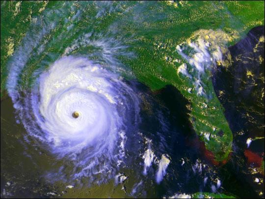 File:Hurricane Andrew.jpg